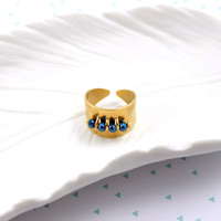 Ring ring with faceted flattened round pearls