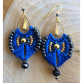 Macramé micro earrings with Linhasita yarn and seed beads