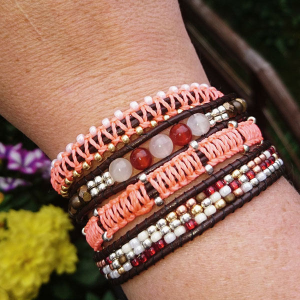 4-round wrap bracelet with Miyuki Rocaille beads and macrame knots