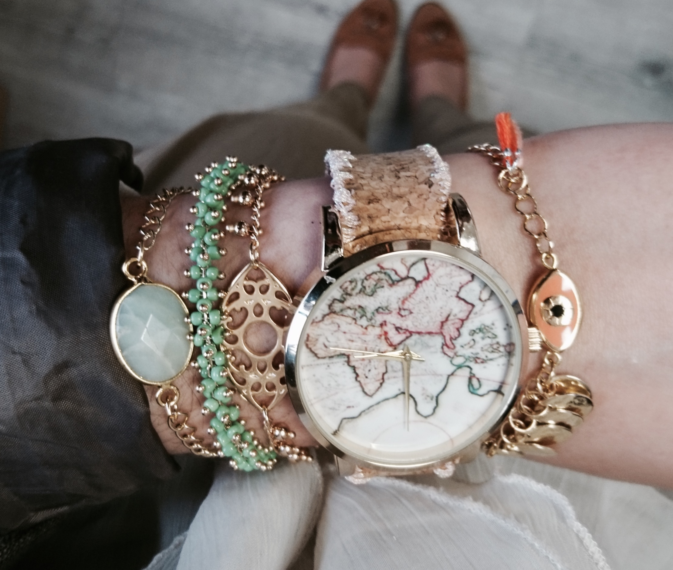 Diy watch world map embroidered cork bracelet perles co dmc thread embroidery on diy watch bracelet in cork diy liege tour around the world gumiabroncs Gallery