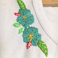 DIY Hibiscus Frieze Embroidery on a T-shirt Collar