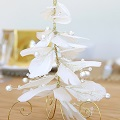 DIY christmas decoration - Table tree in feather and cotton pearls