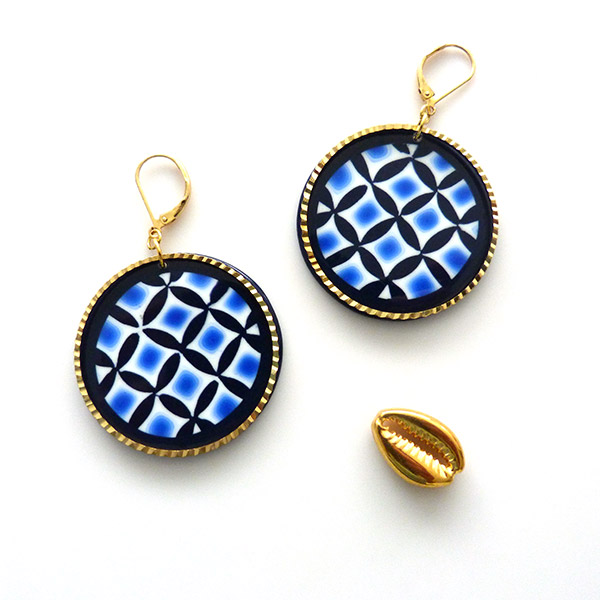 Geometric pattern earrings made with Lucy Clay Tools Extruder