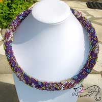 Seasonal spiral crochet crochet necklace with Liz Metallic wire
