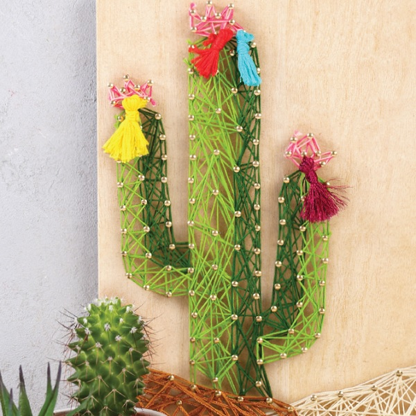diy deco cactus table in string art perles co. Black Bedroom Furniture Sets. Home Design Ideas