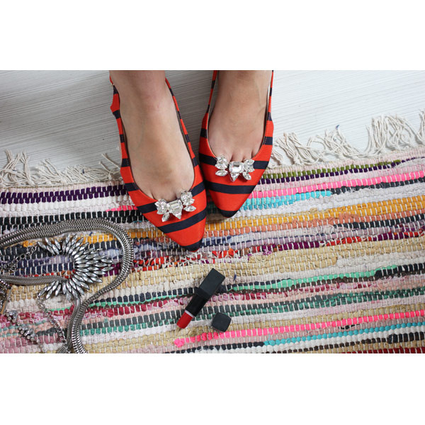 628c781eb6ea Customisation shoes with Swarovski cabochons - Perles   Co