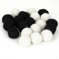 Assortment of woolfelt balls 15 mm Black/White Mix x20