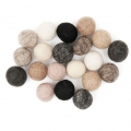 Assortment of woolfelt balls 15 mm Natural Mix x20